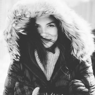 Enjoying Winter - Kim Hanieph